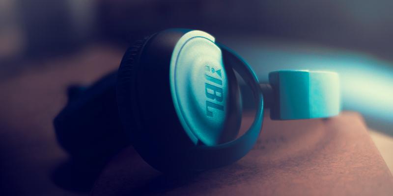 JBL headphones with mic